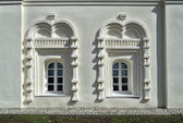 Ancient windows in the buildings of Saint Anthony monastery in Veliky Novgorod, Russia — Stock Photo