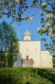 ノヴゴロド, ロシアのヤロスラフの中庭で仮定の教会 — ストック写真