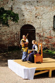 Straatmuzikanten op het plein in het kasteel van Vyborg — Stockfoto