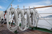 ロープ、古い船でセーリング — ストック写真