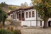 Old house in Zheravna (Jeravna). The village is an architectural reserve of Bulgarian National Revival period (18th and 19th century) — Stock Photo