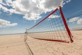 View from a volleyball net at the beach — Stock Photo
