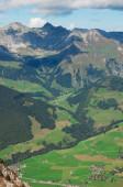 Paisaje rural en los alpes — Foto de Stock
