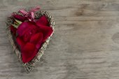 Wooden Heart with Rose and Petals — Stock Photo