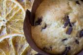 Single Orange and Chocolate Muffin from Above — Foto de Stock
