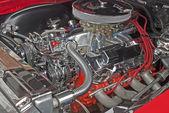 Customized V8 engine compartment — Stock Photo