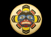Alaskan native painted plaque — Stock Photo