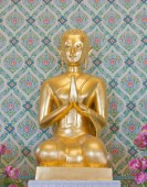 Golden Buddha statue in Thailand — Stock Photo