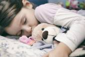 Little girl sleeping safely — Stock Photo