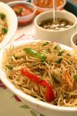 Chow mein is a generic Chinese term for a dish of stir-fried noodles — Stock Photo