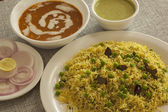 Matter pulao with Dal makhni — Stock Photo