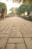Ancient ruin pavement in Wat Phra Sri Sanphet — Stock Photo
