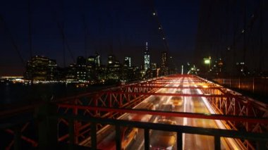 Traffic on the Brooklyn Bridge — Stock Video