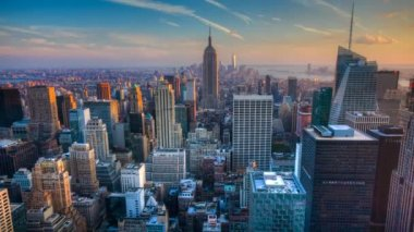 A beautiful timelapse of nightfall in the heart of Manhattan — Stock Video