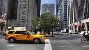 マンハッタンの忙しい通りのシーン — ストックビデオ