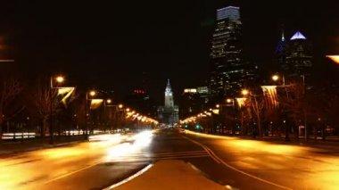 Philadelphia City center traffic flows — Stockvideo