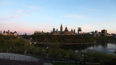 A timelapse day to night view of Canada's Parliament — Stock Video