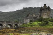 The picturesque Eilean Donan Castle in Scotland July 17, 2012 — Stock Photo