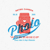 Retro Camera Photo Workshop Label or Logo Template with Typography — Stock Vector
