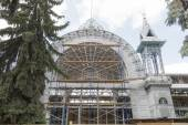 Restoration of a Lermontovsky gallery in Pyatigorsk, Russia — Stock Photo