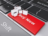 3d Shopping bag on computer keyboard. Online shopping concept. — Fotografia Stock