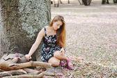 Açık havada güzel bir kızın portresi — Stok fotoğraf