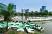 Rowboats in Lumphini Park in Bangkok — Stock Photo