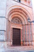 A portal of the Baptistery of Parma, built with pink marble — Stock Photo