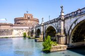 View of Castel Sant Angelo from under the bridge — Stock Photo