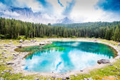 Beautiful view of the Lake Carezza (Karersee) in Italy — Stock Photo