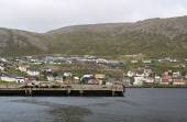 City and harbor in rainy cloudy day, Honningsvag, Nordkapp municipality, Norway — Stock Photo