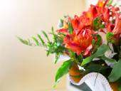 Flowers bouquet red alstroemeria arrange for decoration — Stock Photo