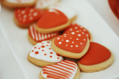 Red gingerbread hearts — Stock Photo