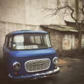 Old blue minibus — Stock Photo