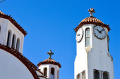 Clock tower against blue sky — Stock Photo