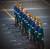 Soldaten tijdens de parade — Stockfoto