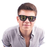 Young man in sunglases — Stock Photo