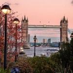 Tower bridge Londen Engeland — Stockfoto #64785609