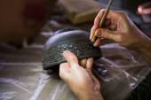Hand Carving clay for make earthenware. — Stock Photo