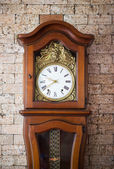 An Old Vintage Wood Clock — Stockfoto