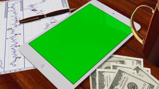 Tablet Pc Pad verde pantalla para presentación de anuncio - tiro de seguimiento sobre la tableta con billetes de un dólar — Vídeo de stock
