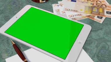 Tablet PC Pad Green Screen for Advertisement Presentation - Tracking shot over Tablet with 50 Euro Bills — Vídeo stock