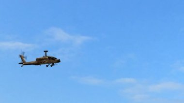 Military Helicopter Boeing AH-64 Apache fly over — Stock Video