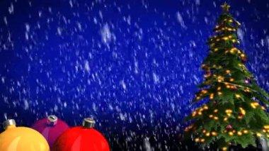 рождественская елка и шарики — Стоковое видео