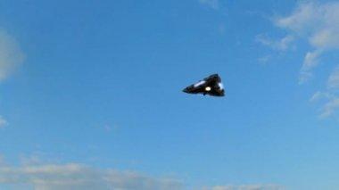 Flying saucer against sky — Stock Video