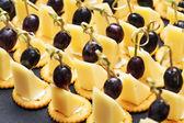 小食芝士,葡萄 — 图库照片