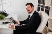 オフィスでのビジネスの男性 — ストック写真