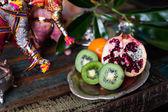 Kiwi fruit still life in the Indian interior — Stok fotoğraf