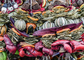 Christmas market. Decorations made of natural materials. — Zdjęcie stockowe