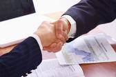 Handdruk van zakelijke partners — Stockfoto